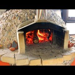 【盛り付けはあなた次第♪】みんなで楽しく♪石焼き窯で焼きたてピザ&BBQで非・日常体験☆