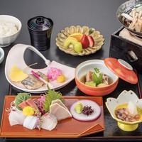 【お籠り温泉Ver.2】冷蔵庫内ドリンク無料特典付+お部屋で「定食」付プラン