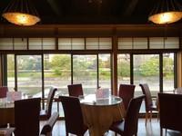 鴨川を眺めながら先斗町で「京料理」夏は、川床!