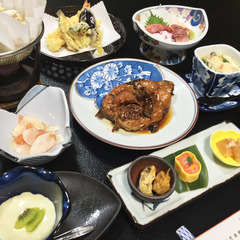 【夕食付】ボリュームたっぷり!鯉の旨煮を始めとした、川魚料理をご用意<現金特価>