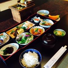 【お食事をこだわりたい方に】道産和牛の陶板焼&毛蟹の付いた北海道満喫♪1泊2食付プラン【お部屋食】