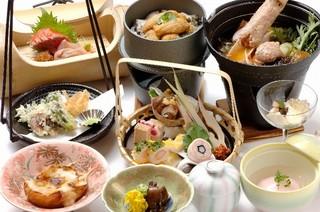 【添い寝無料】ファミリープラン〜青森県産霜降り牛の石焼付☆夕食をお部屋でゆっくりと
