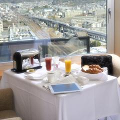 ルームサービス朝食と館内利用券でグランヴィアを満喫!京都でおこもり24時間ステイプラン