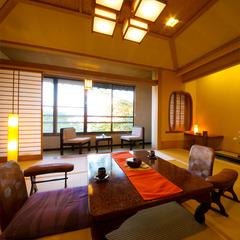 """【和室10畳】""""数寄屋造りの客室""""から愉しむ2種類の景色"""