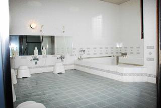セミダブルでビジネスプラン 1泊5650円平日の宿泊で朝食無料サービス