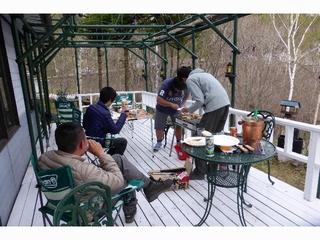 【自由自在、素泊プラン】持込自由、厨房で自炊可。軽食、鍋など夕食サービスのオプションも有ります。