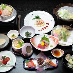 【当館おすすめ!グレードアップ】〜にしきコース〜少し贅沢な旅を。質も量も大満足な味わい<2食付>