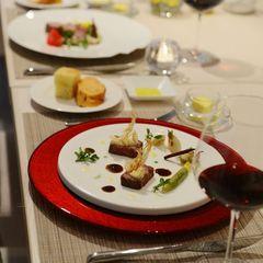 【選べる夕食】リゾート内全てのレストランで使えるディナー券付き/2食付