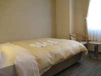 【喫煙】ダブル 〜16平米 140センチ幅ベッド〜