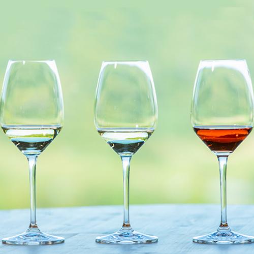 【上質なお部屋でワインを堪能】NIKI Hillsワイン×緑の風シェフ厳選チーズ4種類盛り合わせ