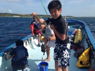 【ファミリー】【体験】【グループ】宮古島の海でいっぱい遊ぼう(釣り体験付きボートシュノーケリング)