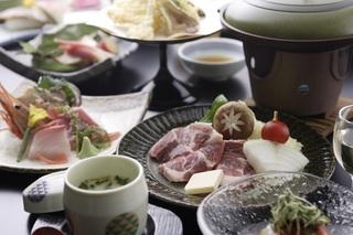 【♪ふかふかベッドの洋室プラン♪】お料理は旬の食材を厳選した創作和食をお楽しみください♪