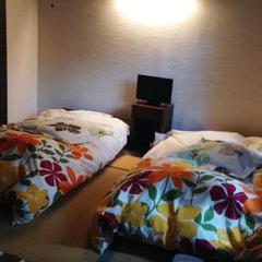 【離れ】1階和室6畳(トイレ・洗面付)