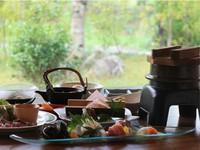 【一泊二食付き】 1ランク上の会席で楽しむ山香温泉