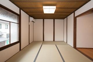 「もみじの間」2階6畳床の間付の部屋