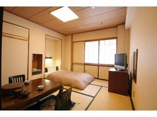 【喫煙】和室〜22.22平米(約13畳)