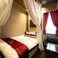 ダブルベッドルーム 14平米《140cm幅ベッド1台》禁煙