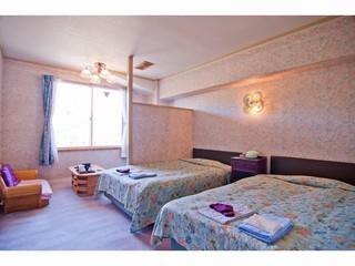 白亜館最上階 洋室(バストイレ付き)
