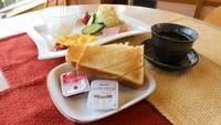 【春夏旅セール】ゆっくり22時チェックイン●朝食は8時〜9時半にどうぞ(松山空港近く!駐車場無料)
