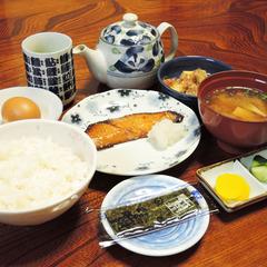 【朝食付】ビジネス利用にもおすすめ!夕食は済ませてチェックイン。栄養たっぷり和朝食☆(現金特価)