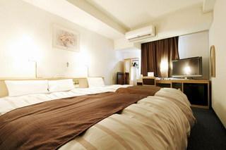 シングルベッドとダブルベッド喫煙室(3名様、食事なし)