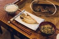 【日〜木限定】囲炉裏で焼く干物定食朝食付きプラン♪