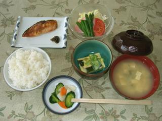 お手軽プラン(2食付)食事は家庭食のような簡単な和定食(ご飯+汁物+他4品)貸切風呂無料利用