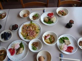 さき楽【朝食付き】◆朝から栄養満点!産みたて卵と新潟コシヒカリ、おいしいおかずの朝食♪お先でスノ。