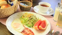 スタンダードプラン★季節のディナー&焼きたて!手作りパンの朝食付きお泊り★