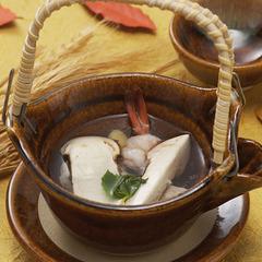 【秋の味覚の王様松茸の土瓶蒸し1個付】郷土料理はらこ飯、仙台牛タン、世界三大生ハム・握り鮨が食べ放題