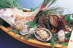 【八島自慢の竜宮料理】魚介が大好きな方へ!答志島産の旬の海鮮を味わう90cm超の舟盛付きプラン♪