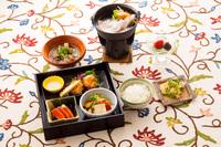 菅平カゾラーレ名物・牛バラ肉をじっくり煮込んだビーフシチュー食べ放題