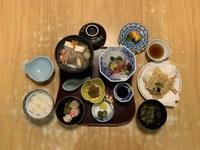 【夕食付】近隣店での夕食も付いて安心お得!(夕食付)プラン