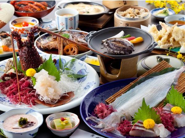 【海鮮三昧】イカと伊勢エビ活造り & アワビ踊り焼き