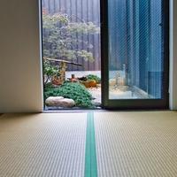 【和個室】1〜2様用 Wi-Fi無料 花灯路が照らす坪庭に面した畳のお部屋!