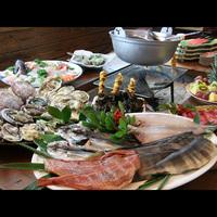 【一日二組限定(夕食処)】《一番人気》旬の新鮮魚介類と囲炉裏料理でおもてなし〜カキ・ホタテ…他〜