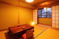 【和室6畳+2畳(カーペット)付き部屋】定員2〜3名