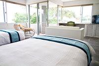 カップルに人気!石垣島ビーチ前ホテルでステイ!海・庭園を眺め過ごす広々45㎡オーシャンビュー/朝食付