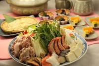 自慢のだし汁と豊富な魚介の寄鍋。【青野鍋(寄鍋)】