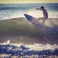 【朝食付×サーフィン】サーフィンガイド料込☆彡アマチュアで活躍する若旦那が種子島の海でガイドします!