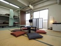 【個室】和洋室(2段ベッド・定員8名)バス・トイレ共用 禁煙
