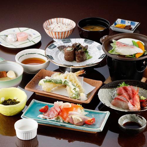 <1泊2食>夕食は少し贅沢に!道内産のお肉やお魚など旬の味覚を召し上がれ♪ゆりかご会席