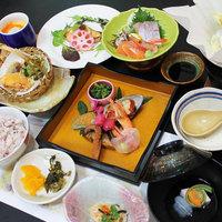 【湯楽里の2食付】当館おすすめ☆料理長自慢の地元の旬食材を使った和食会席。