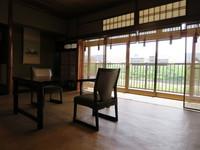2階 和の雰囲気残る洋間 朝食付き WiFi無料