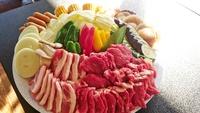 【デラックスBBQ夕食付】ちょっと豪華な食材がイイネ♪じゅ〜じゅ〜焼いていっぱい食べよう!