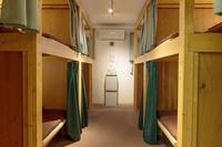 最大8人収容個室(2段ベッド4台)