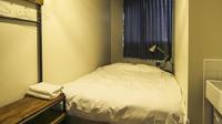 ダブルベッドルーム個室