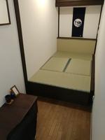 和式ベッドのシングルルーム シャワー・トイレ共用