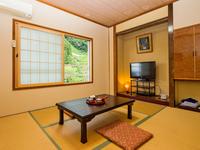【山側・和室6畳】(トイレ付)