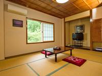 【山側・和室8畳】(トイレ付)